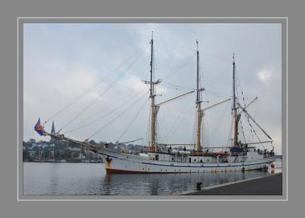 Die Großherzogin Elisabeth – ursprünglich San Antonio, dann Ariadne – ist ein dreimastiger Gaffelschoner mit Heimathafen Elsfleth an der Unterweser. Derzeit ist es das Schulschiff der Seefahrtsschule Elsfleth und nach der oldenburgischen Großherzogin Elisabeth Alexandrine Mathilde von Mecklenburg-Schwerin (1869–1955) benannt.