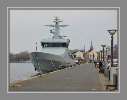 Die Diana-Klasse ist eine Bauserie von sechs Patrouillenbooten, die seit 2007 für die Königlich Dänische Marine im Einsatz ist. Das Aufgabenspektrum der Diana-Klasse umfasst das Sicherstellen der territorialen Integrität, Suche und Rettung, Umweltschutz und Überwachung, Hilfeleistung bei Taucherunfällen sowie die Unterstützung der Polizei und Kampfmittelbeseitigung Die Reichweite wird mit 1.000 Seemeilen angegeben. Die Bewaffnung besteht aus zwei schweren Maschinengewehren des Kalibers 12,7 mm. Das Festrumpfschlauchboot wird in einer Heckwanne mitgeführt und über eine Pforte zu Wasser gelassen.