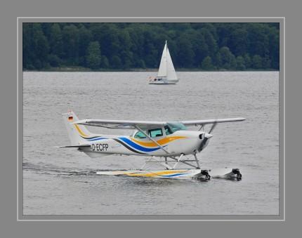 D-ECFP Cessna 172 P mit Amphibischen Schwimmer