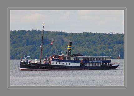 Die Alexandra ist ein 1908 vom Stapel gelaufener Dampfer, der als maritimes Wahrzeichen der Stadt Flensburg gilt und seit 1990 als fahrendes historisches Schiff im Denkmalbuch des Landes Schleswig-Holstein eingetragen ist
