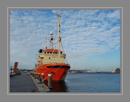 A560 Gunnar Thorson ist ein Umwelt-Schiff der dänischen Marine. Es ist nach dem dänischen Namen Zoologe Gunnar Axel Wright Thorson benannt.