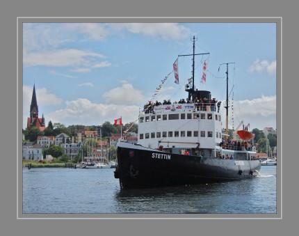 Die Stettin ist ein kohlebefeuerter Dampf-Eisbrecher. Sie hat heute den Status eines technischen Kulturdenkmals und liegt in Hamburg im Museumshafen Oevelgönne. Sie ist nach der gleichnamigen Stadt benannt.