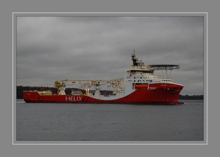 """Die  """"SIEM  HELIX  2"""" verläßt die FSG zu einer längeren Probefahrt."""
